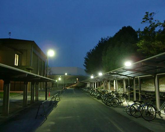 広島大学(東広島)駐輪場外灯新設3